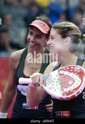 """Der spanische Spieler Marta Marrero (L) und Alejandra Salazar während die Padel """"Welttournee"""" A Coruna Open Frauen - Stockfoto"""