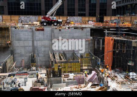 Baustelle im Neuen mit Handwerkern, New York City, USA - Stockfoto