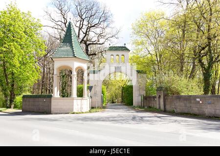 Der Eingang zum Gutspark, Gross Glienicke, Berlin, Deutschland - Stockfoto