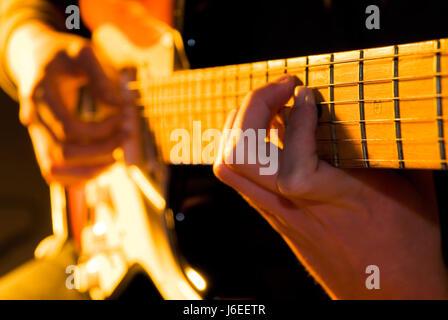 Finger musikalische Closeup e-Gitarre Gitarrist Akkord Hand Finger Makro - Stockfoto