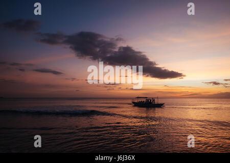 Sonnenuntergang über den Strand - Stockfoto