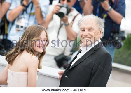 Cannes, Frankreich. 22. Mai 2017. (L-R) Fantine Harduin und Jean-Louis Trintignant besucht das Happy End-Fototermin - Stockfoto