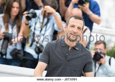 Cannes, Frankreich. 22. Mai 2017. Französischer Schauspieler Mathieu Kassovitz posiert auf 22. Mai 2017 bei einem - Stockfoto