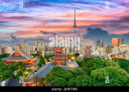 Tokyo, Japan am Sensoji und Skytree Turm. - Stockfoto