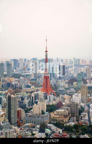 Skyline von Tokyo Tower und City, Tokyo, Japan - Stockfoto