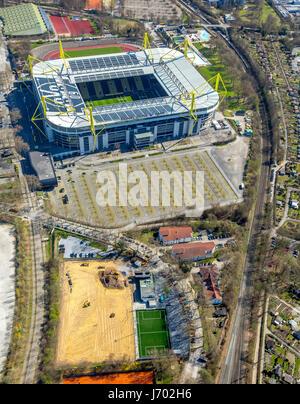 Evonik Fußballschule, BVB Dortmund Trainingscenter in Signal-Iduna-Park, Westfalenstadion, Dortmund, Ruhrgebiet, - Stockfoto