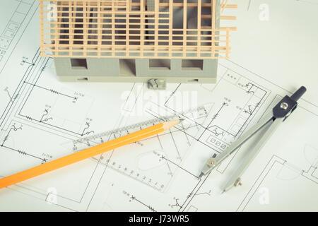 Charmant Elektrischer Schaltplan Eines Hauses Fotos - Die Besten ...