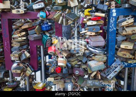 Liebesschlösser in Budapest, Ungarn - Stockfoto