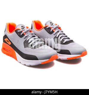 auf isoliert Laufschuhe Hintergrund Nike Grau weißem PkXZluwOiT