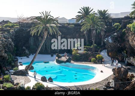 Schwimmbecken, Jameos del Agua, Haria, Insel Lanzarote, Kanarische Inseln, Spanien |  Pool von Jameos del Agua, - Stockfoto