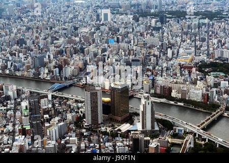 Blick auf Tokio von der Oberseite des Tokyo skytree gesehen. - Stockfoto