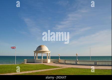 Blick über den Ärmelkanal von De La Warr Pavilion, Bexhill-on-Sea, East Sussex, England, Vereinigtes Königreich, - Stockfoto
