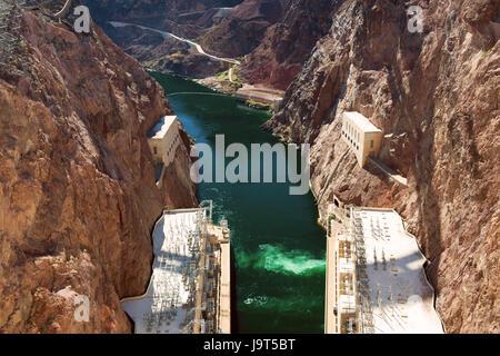 Hoover-Staudamm an der Grenze zu Nevada-Arizona, USA - Stockfoto