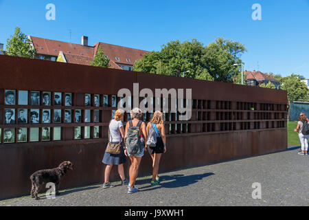 Die Gedenkstätte Berliner Mauer (Gedenkstätte Berliner Mauer), Bernauer Straße, Berlin, Deutschland - Stockfoto
