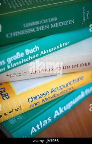 Bücher über Akupunktur und chinesische Medizin.