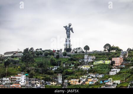 Denkmal für die Jungfrau Maria auf El Panecillo Hügel - Quito, Ecuador - Stockfoto