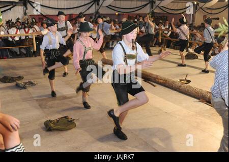 Festen Abend mit Tanz im Bataillon fest den Berg Schutz Werdenfels in Garmisch, - Stockfoto