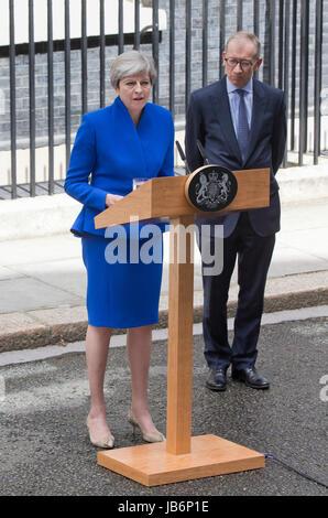London, UK. 9. Juni 2017. Theresa May nach den Wahlen Anweisung, Nr. 10 Downing Street, London, UK. 9. Juni 2017. - Stockfoto