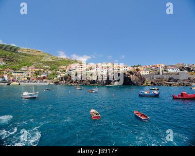 Camara De Lobos - ein malerisches Fischerdorf auf der Süden-zentralen Küste der Insel Madeira. Die Geburtsstätte - Stockfoto