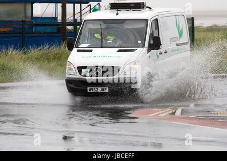 Southport, Merseyside, 10. Juni 2017. Großbritannien Wetter.  Ein nasser Start in den Tag als persistent über Nacht - Stockfoto