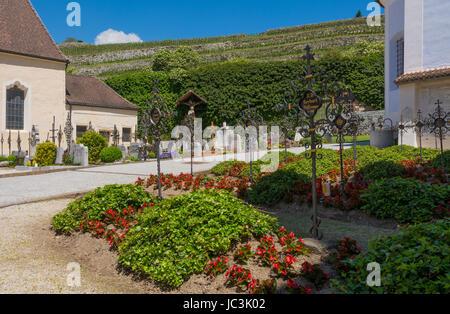 Der Klosterkomplex ist der größte in Tirol und ist sehr gut erhalten - Stockfoto