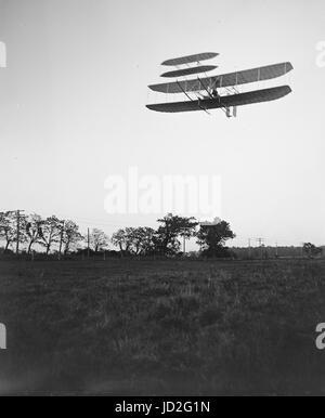 Vorderansicht des Fluges 46, Orville Wright verließ banking auf der linken Seite, in den letzten fotografierten - Stockfoto