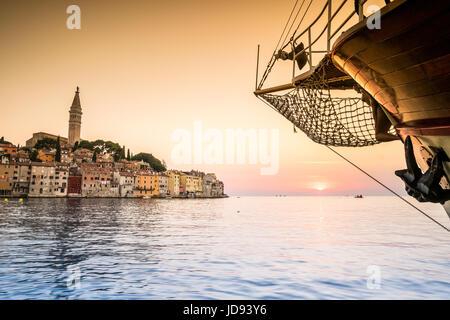 Rovinj als schönes Reiseziel im Sommer, Kroatien, Europa - Stockfoto