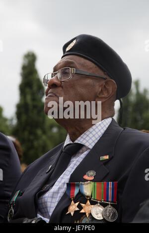 London, UK. 22. Juni 2017. WW11 Veteran Allan Wilmott an der Afrikaner, zwingt Karibik Veteranen Mahnmal, das Hunderttausende - Stockfoto