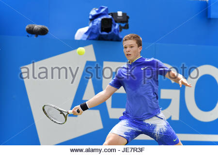 London, UK. 22. Juni 2017. MARIN CILIC (Welt Nr. 7) gewinnt von STEFAN KOZLOV (Welt Nr. 149), Aegon Tennis Queen - Stockfoto