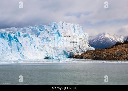 Perito Moreno-Gletscher im Los Glaciares Nationalpark im argentinischen Patagonien, in der Nähe von El Calafate; - Stockfoto