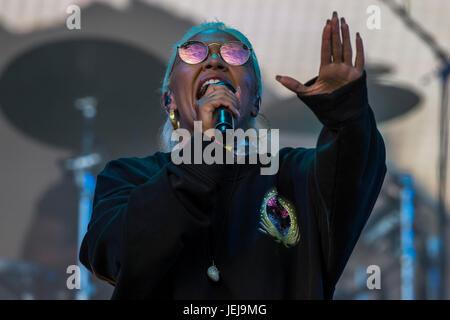 Glastonbury, UK. 25. Juni 2017. Die Sonne geht auf das Jahr 2017 Glastonbury Festival Emeli Sande die anderen Bühne, - Stockfoto