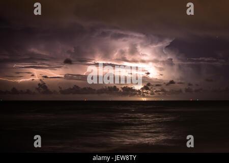 Gewitter über Miami Beach - Stockfoto