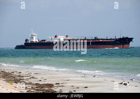 Das Cowley-750-2 Klasse ATB Legende Schiff Mullet Key Kanal Golf von Mexiko Florida USA auf der Durchreise. Ca. - Stockfoto