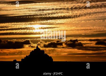 Le Mont Saint-Michel Gezeiten-Insel Nordfrankreich Normandie - Stockfoto
