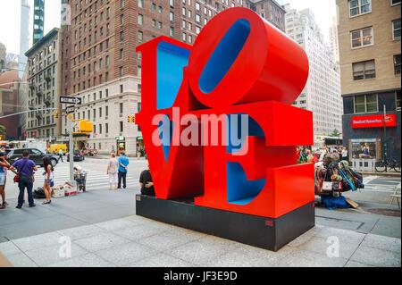 Liebe Skulptur an der 55th Street in New York - Stockfoto
