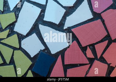 abstrakte geometrische hintergrund vektor von polygonen dreieck geometrische muster vektor. Black Bedroom Furniture Sets. Home Design Ideas