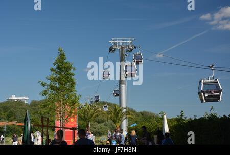 Luftseilbahn Eindrücke auf dem Gelände der IGA Berlin 2017, internationale Garten Ausstellung Berlin, Gärten der - Stockfoto