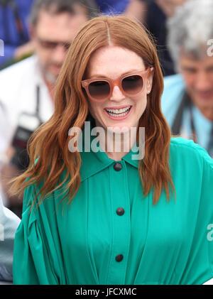 Julianne Moore besucht Wonderstruck Photocall während des 70. jährlichen Cannes Film Festival im Palais des Festivals - Stockfoto