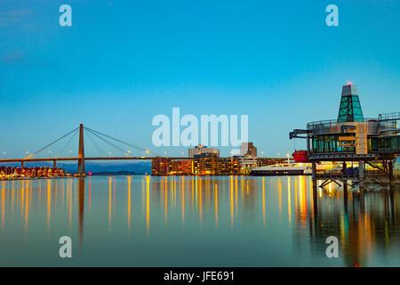 Stavanger-Panorama von der Brücke im Hintergrund, Norwegen. - Stockfoto