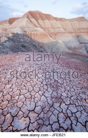 Schlamm und gemalten Hügeln in Badlands Nationalpark geknackt. - Stockfoto