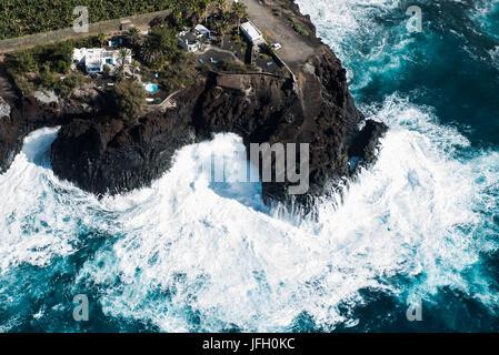 Ferienhäuser an der Atlantikküste mit Puerto Naos, La Palma, Luftbild, Kanarische Inseln, Spanien - Stockfoto