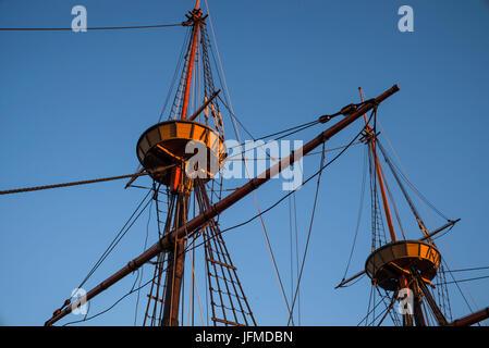USA, Massachusetts, Plymouth, Nachbildung der Mayflower, Schiff, die ersten europäischen Siedler aus England nach - Stockfoto