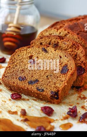 Cranberry Hausbrot mit Honig - Stockfoto