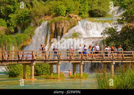 Unteren Wasserfälle Krka Nationalpark in Skradin, in der Nähe von Sibenik, Kroatien. - Stockfoto