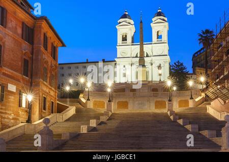 Spanische Treppe in der Nacht, Rom, Italien. - Stockfoto