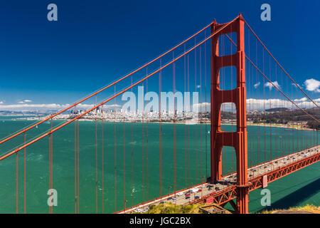 Tag Zeit Schuss der Golden Gate Bridge in San Francisco, Kalifornien, USA - Stockfoto