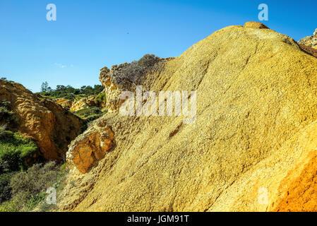 Albufeira, Algarve, Erosion, Felsen, Felsformationen, Sienna-farbig, Portugal, Praia de Sao Rafael - Stockfoto