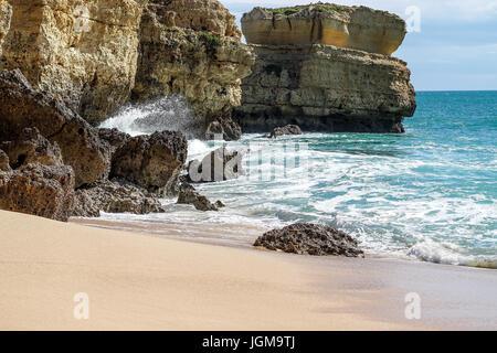 Albufeira, Algarve, surf, rock, rock-Formationen, Portugal Praia de Sao Rafael, Strand, Wasser - Stockfoto