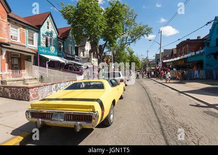 Toronto, Kanada - 24. Juni 2017: Kensington Avenue im Stadtteil Kensington Market in Toronto, Kanada. - Stockfoto