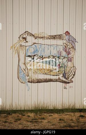 Kunst im öffentlichen Raum an einem Gebäude im Bereich Flughafen Weingut von Walla Walla, WA. USA - Stockfoto